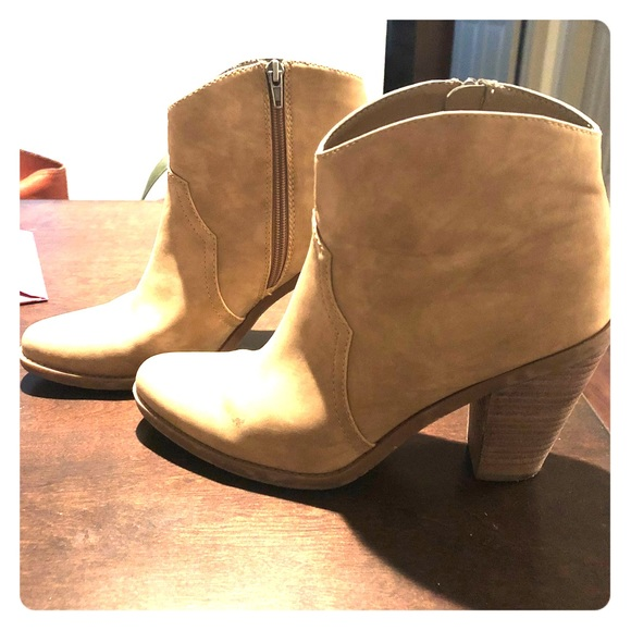 971103d1d840 DV by Dolce Vita Shoes - Western Bootie